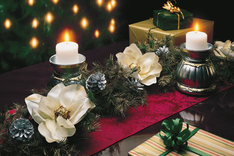 Krylon: Yuletide Table Accents